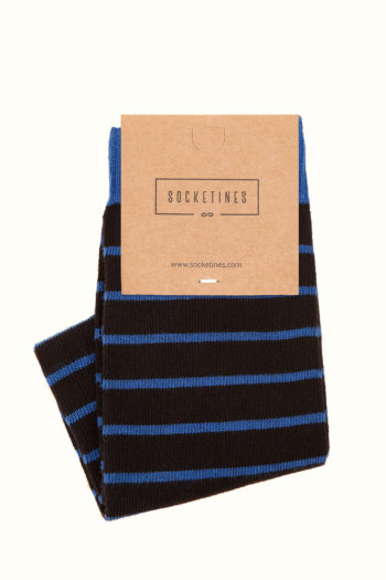 Calcetines negros con rayas azules